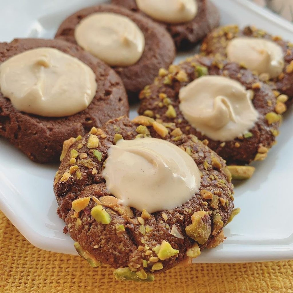 Cookies de Chocolate com Pistache - Laise Corti